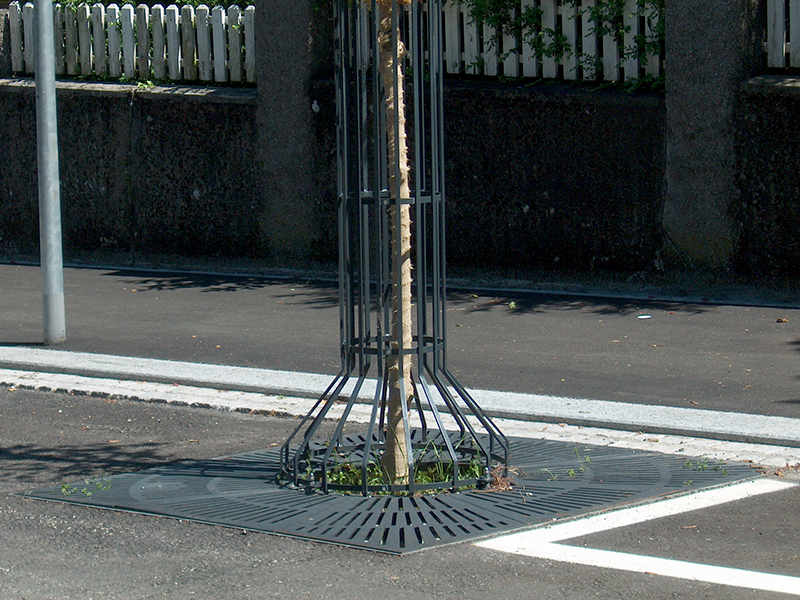 Grille de protection d'arbre