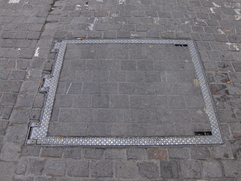 Porte a pavimento con aiuto d'apertura D400