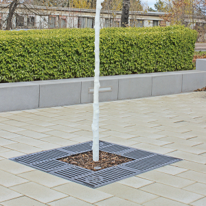 Baumschutzrost im Linear- oder Quadrodesign