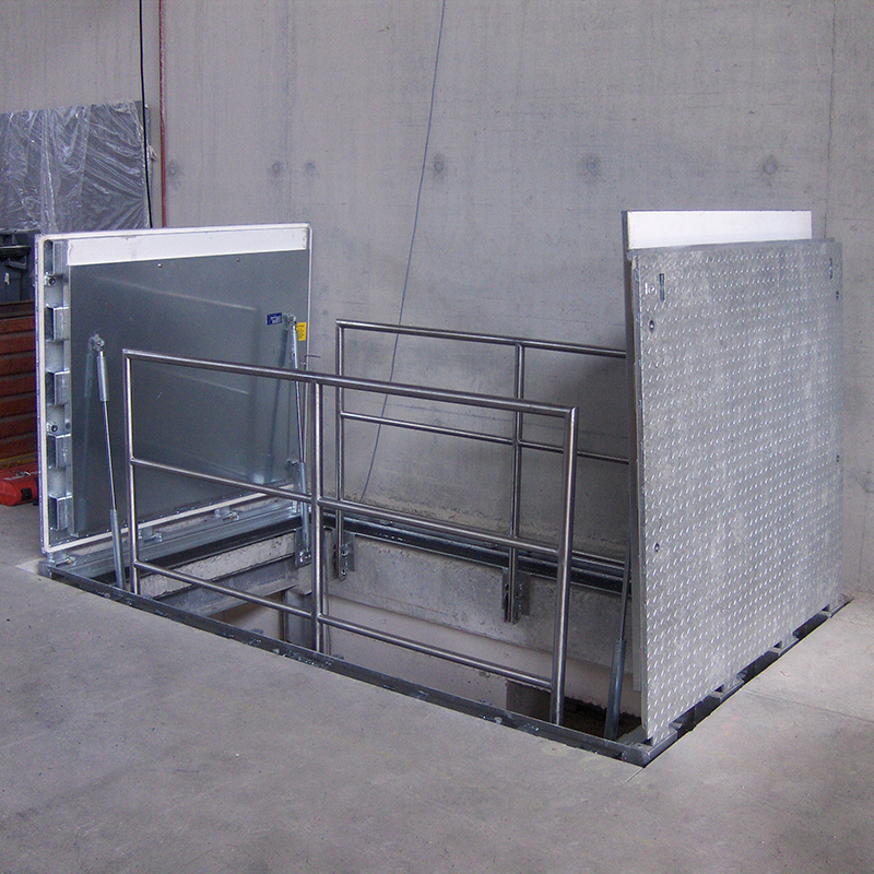 Floor gates with hydraulic system (B125)