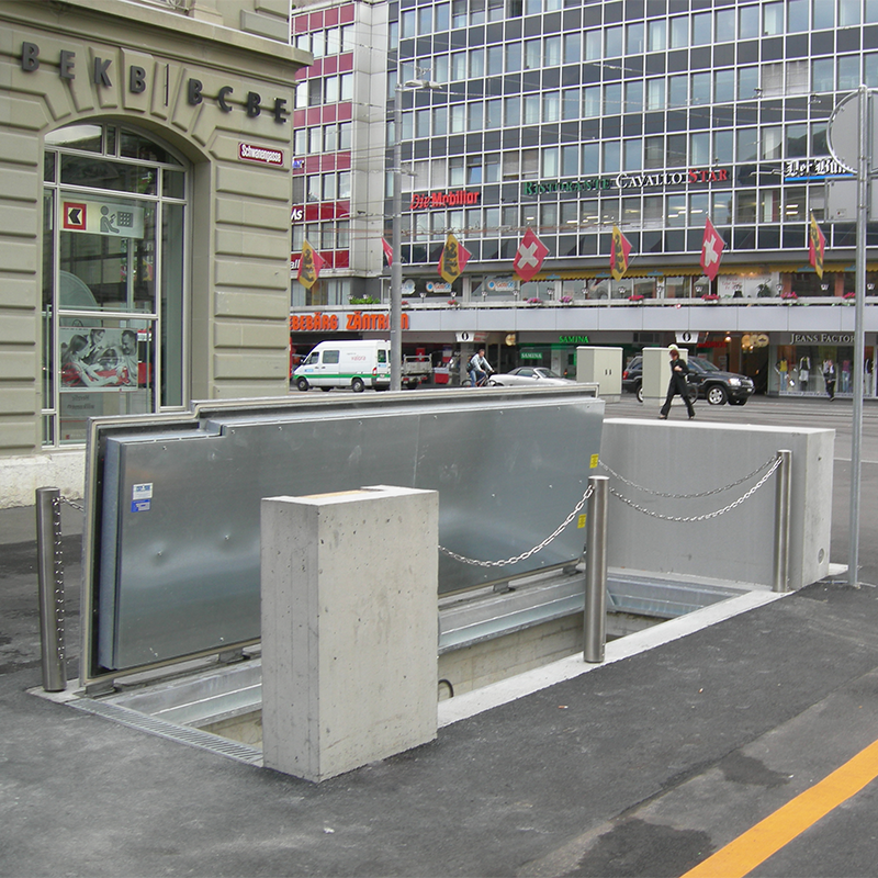 Floor gates with hydraulic system (C250)